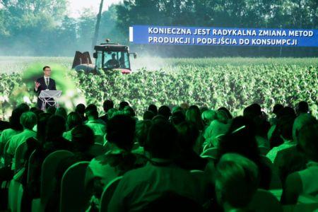Carrefour Polska gromadzi przedstawicieli środowiska żywności i rolnictwa oraz zachęca do działania na rzecz demokratyzacji BIO w Polsce