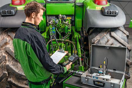 Czy przegląd ciągnika ograniczy się do wymiany filtrów i oleju?