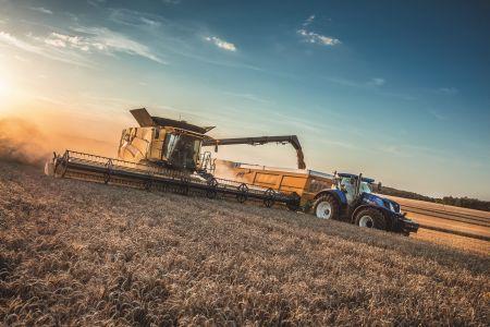 New Holland zdobywa srebrny medal w kategorii innowacji na targach Agritechnica 2017 za proaktywny i automatyczny system konfiguracji kombajnu, będący pierwszym tego rodzaju rozwiązaniem w branży