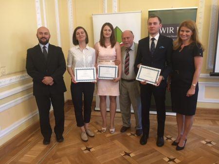 Absolwenci podejmujący tematykę rozwoju polskiej wsi wyróżnieni przez IRWiR PAN  i Fundację EFRWP w ogólnopolskim konkursie