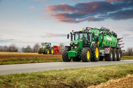 John Deere świętuje 100-lecie ciągników na Targach AGROTECH w Kielcach