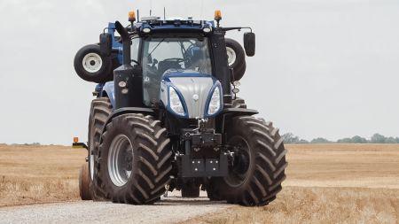 Autonomiczny ciągnik koncepcyjny NHDrive marki New Holland  prezentuje wizję rolnictwa przyszłości