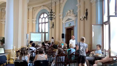 """""""Fakty i mity o mleku"""" to cykl konferencji organizowanych przez Polską Izbę Mleka."""