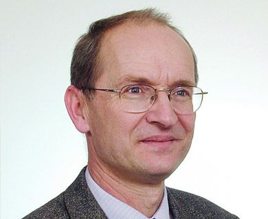 Prof. dr hab. Marian Brzozowski -
