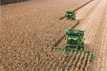 John Deere i Geringhoff podpisały umowę na sprzedaż przystawek do kukurydzy