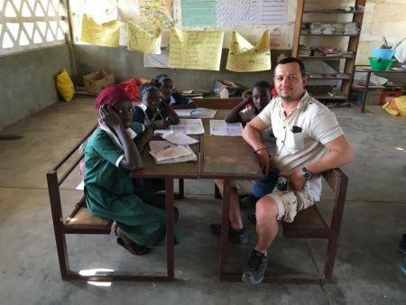Czy elbląscy uczniowie pomogą swoim rówieśnikom w Gambii? Elbląska spółka chce ich do tego zachęcić